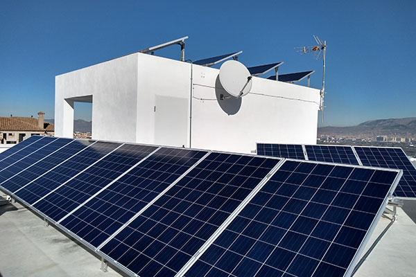 placas-solares-viviendas-baterias-4